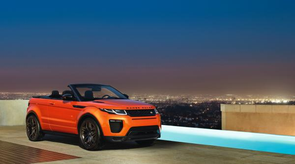 Convertible At Night Pool - Range Rover Evoque Convertible