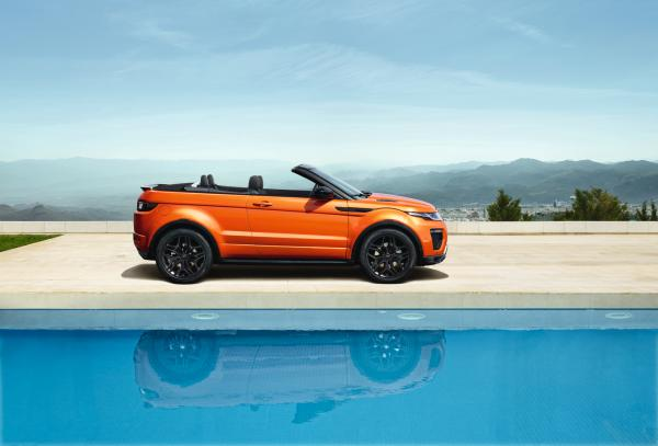 Convertible At Pool - Range Rover Evoque Convertible