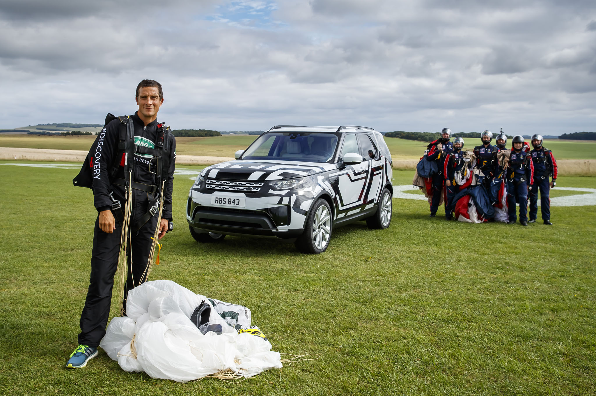 Land Rover Discovery With Bear Grylls And Royal Navy Parachute Display Team Image- All-new Land Rover Discovery