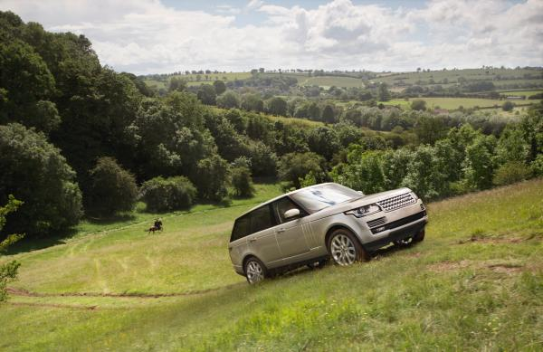 L405 on a hill- Range Rover